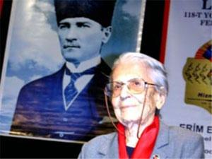 Çağdaş Cumhuriyetimizin ilk Türk kadın öğretmeni Refet Angın