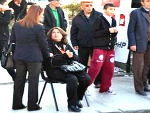 CHP kadın kolları toplantısında doğalgaz kaçağı