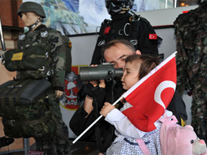 AK Parti Genel Başkan Yardımcısı'ndan profesyonel askerlik açıklaması