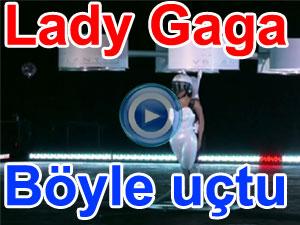 Lady Gaga uçan elbisesiyle böyle uçtu - video | BBC Ortak yayın