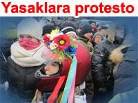 Ukrayna'da özgürlük talebi yasağı deldi: On binler meydanlarda | Ukrayna haberleri