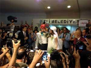 Çapulcu nikahı çapulcuların düğünü çapulcular evlendi